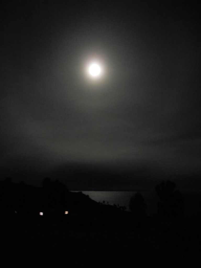 Silent moon song, glows so soft and strong